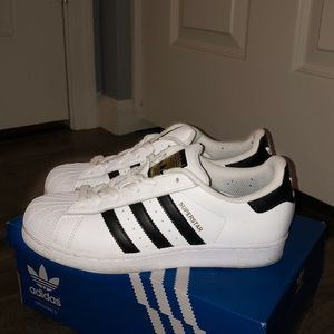 superstar adidas sneakers